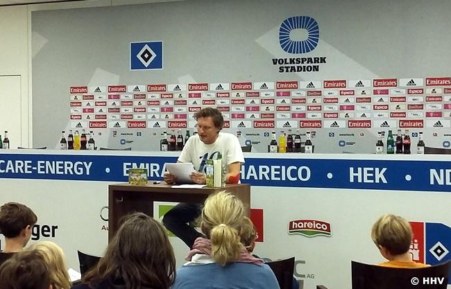 Stefan Kaminski liest Das magische Baumhaus beim HSV in Hamburg